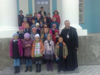 Ученики воскресной школы посетили храм Рождества Пресвятой Богородицы
