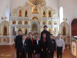 Ученики 4 класса СОШ с.Оброчного посетили Свято-Дмитриевский храм