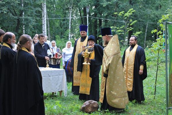 Молебен на начало строительства часовни в честь святых равноапостольных Кирилла и Мефодия учителей Словенских