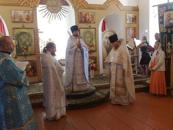 Литургия в храме Рождества Пресвятой Богородицы
